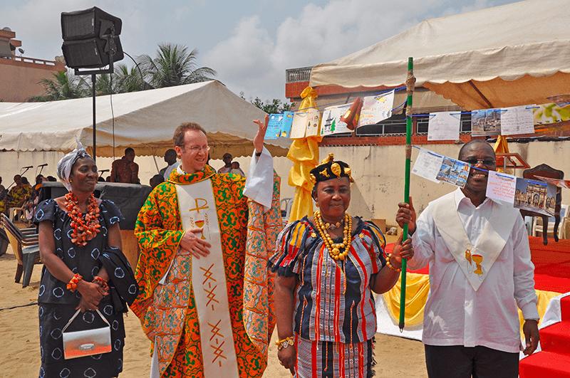 Voyage 2014 père Augustin Deneck à Abidjan jumelage Saint-Ambroise