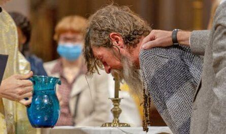 Baptême adulte à Saint-Ambroise