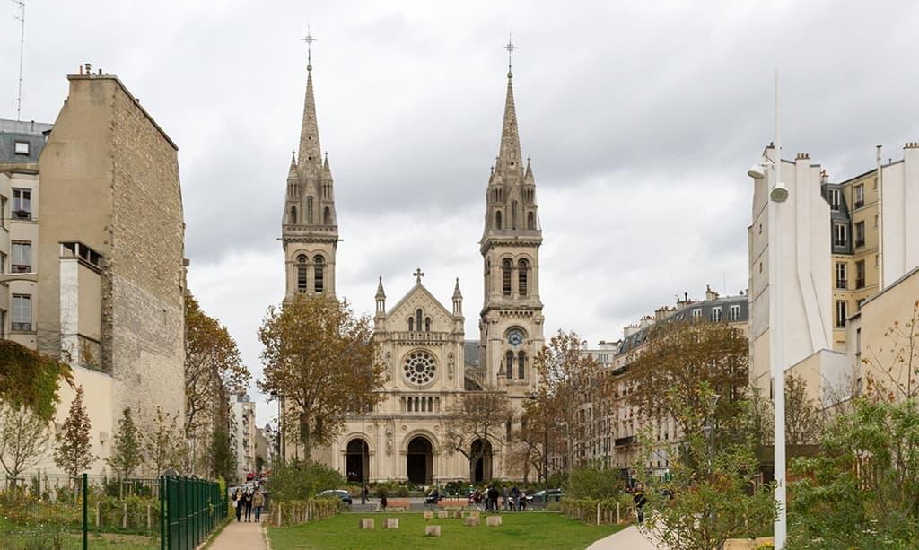 Paroisse Saint-Ambroise vue depuis le parc