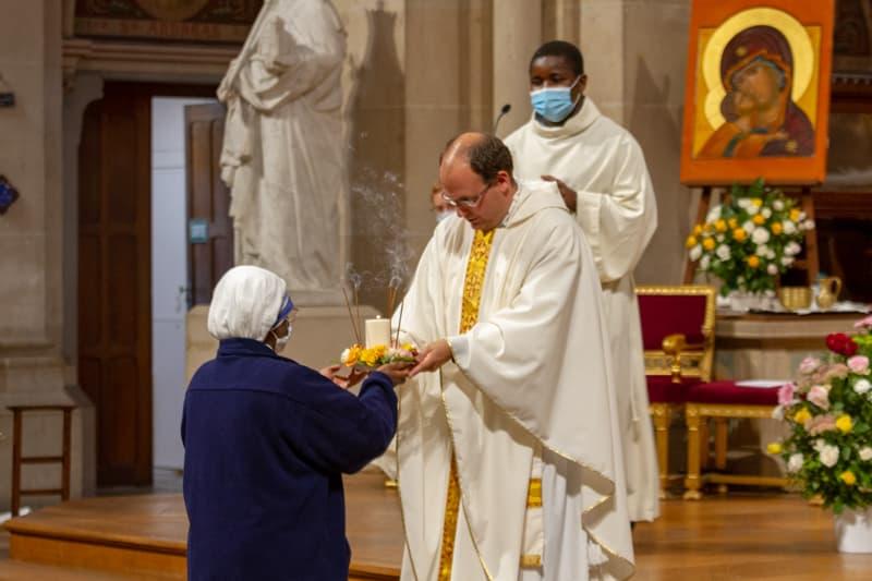 Père Baptiste MILANI soeur charité mère Térésa