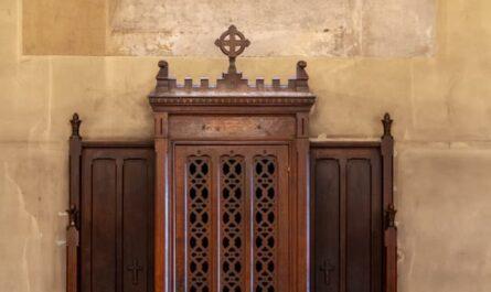 confessionnal à Saint Ambroise
