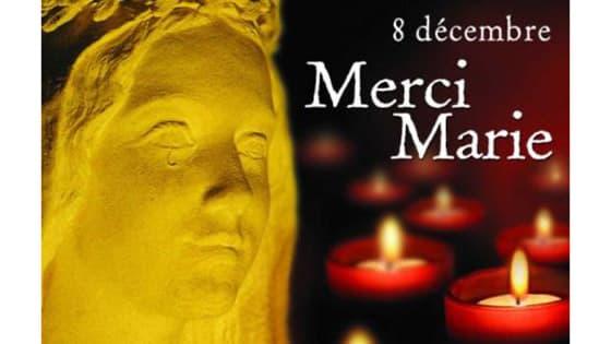 Des bougies pour célébrer la sainte Vierge