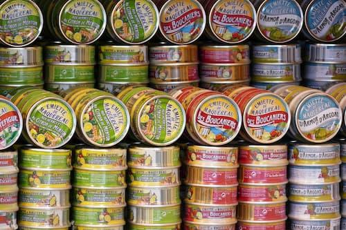 Collecte produits alimentaires conserves
