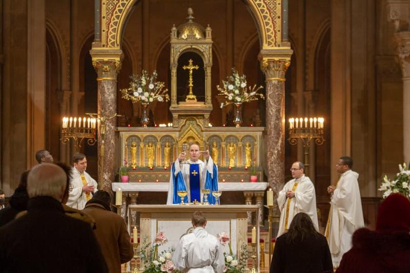 Messe de la nuit à Saint-Ambroise en 2020