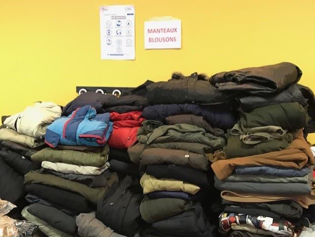 Collecte de vêtements chauds pour homme