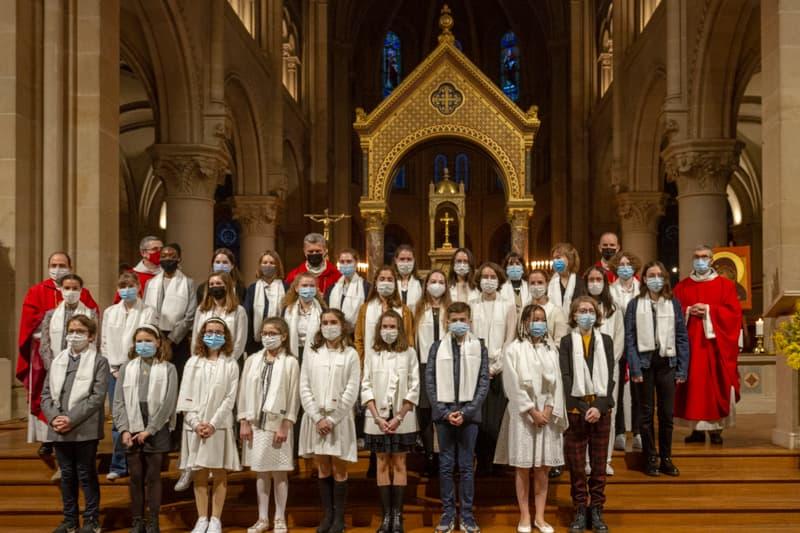 Photo de groupe des confirmés de Saint-Ambroise en 2021