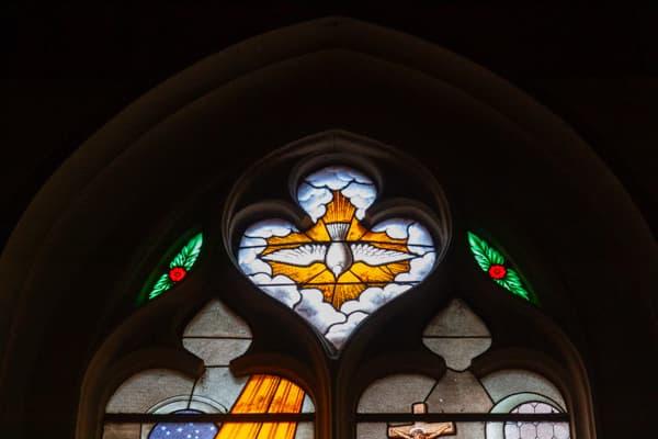 Esprit-Saint vitrail