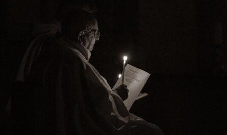 Quête pour les prêtres âgés à Paris