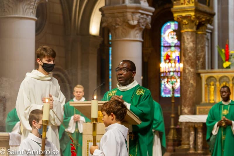 Emmanuel KOLANI, diacre à Saint Ambroise