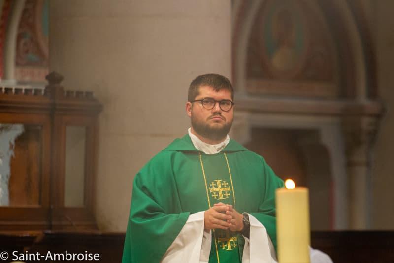 Père Maxime PETIT à Saint Ambroise