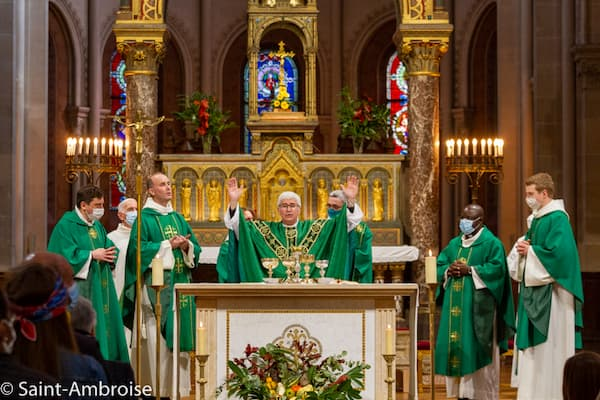 Messe présidée par Mgr Emmanuel Tois